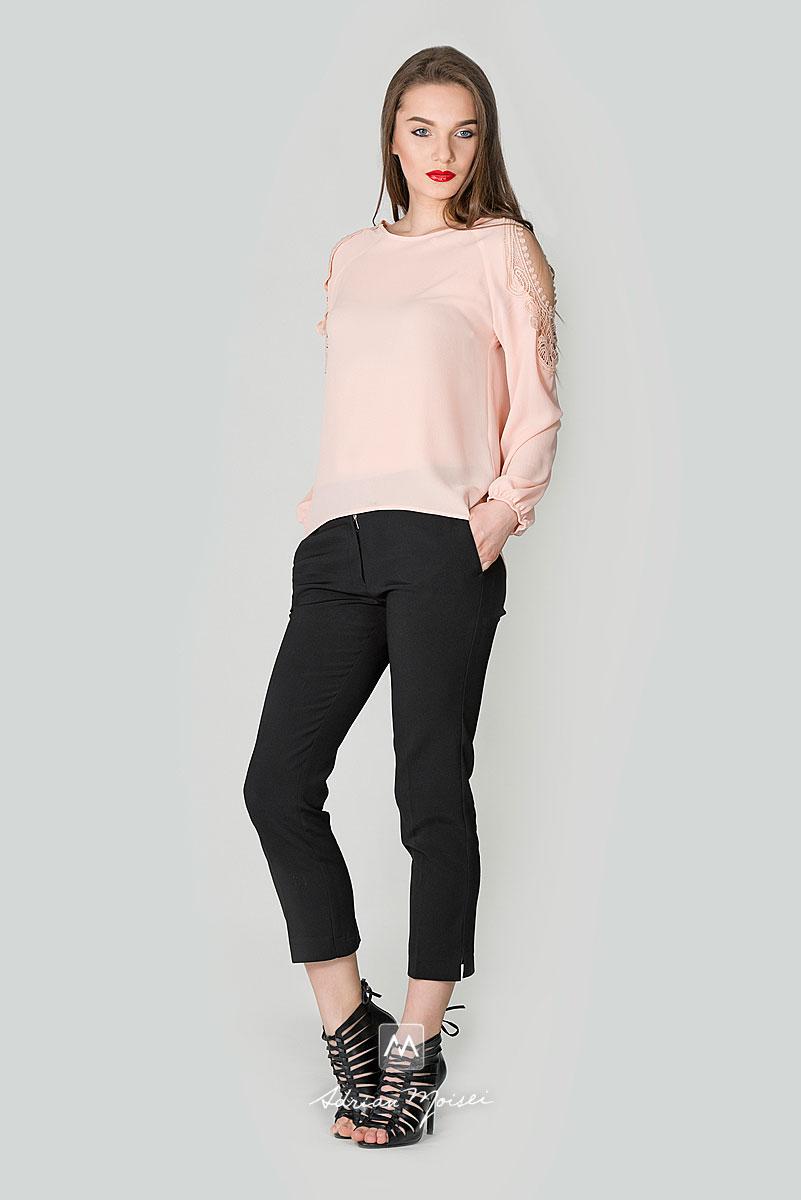 Fotografie garment fashion in Iasi realizata de fotograul iesean Adrian Moisei pentru CafeSolo, brand al Eurotex Company