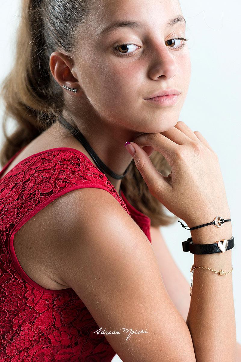 Portret de adolescenta