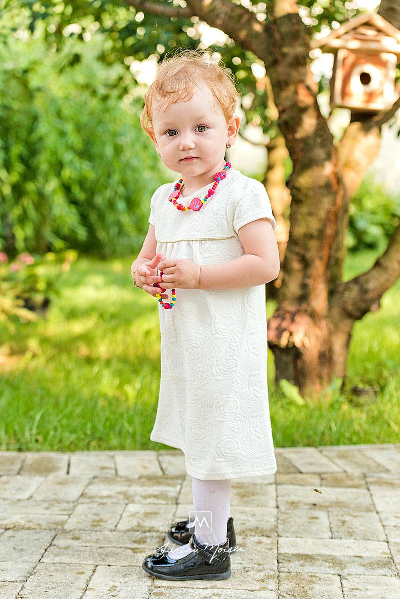 Fotografie de portret a unei fetite, realizat de Adrian Moisei