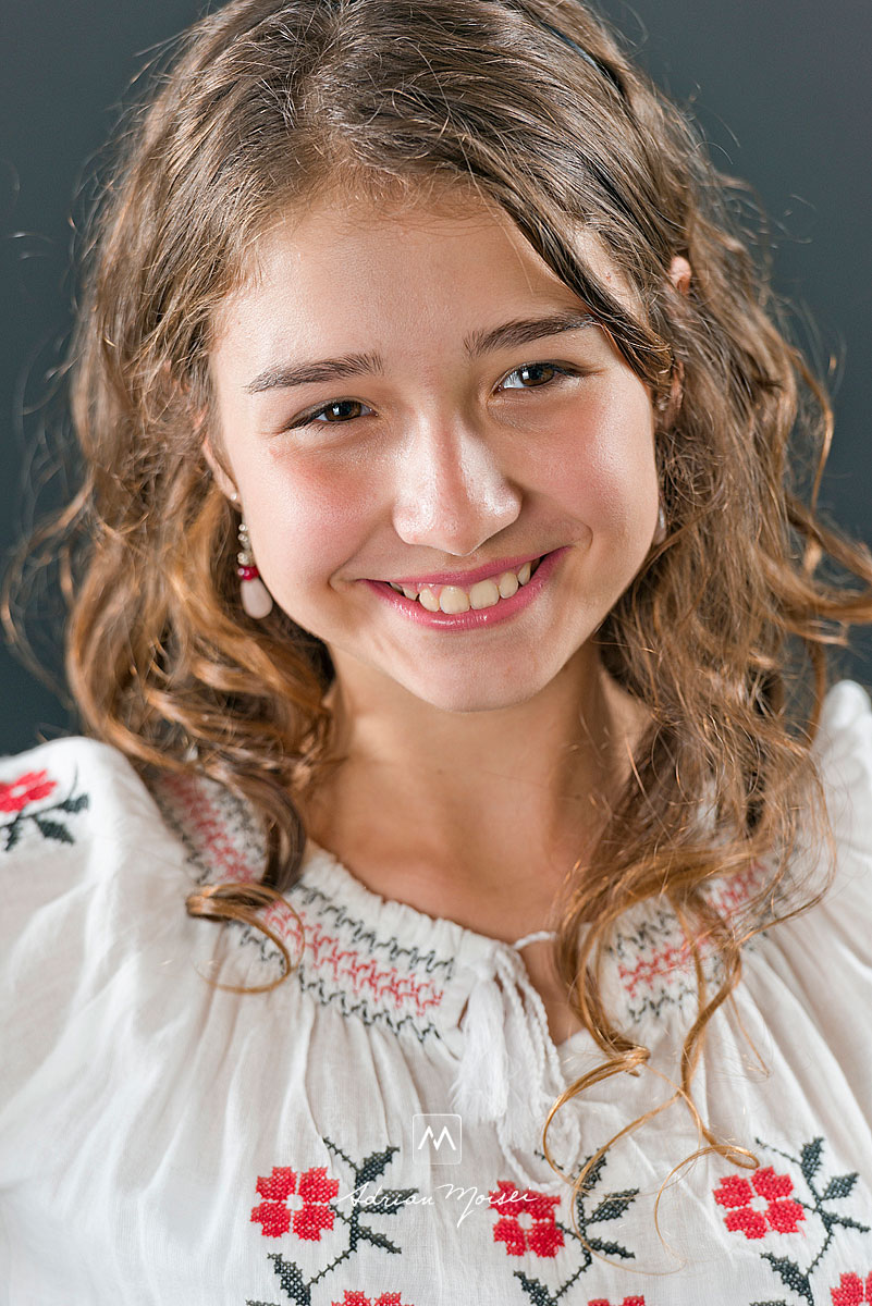 Fotografie de portret in studio, realizata de fotograful iesean Adrian Moisei