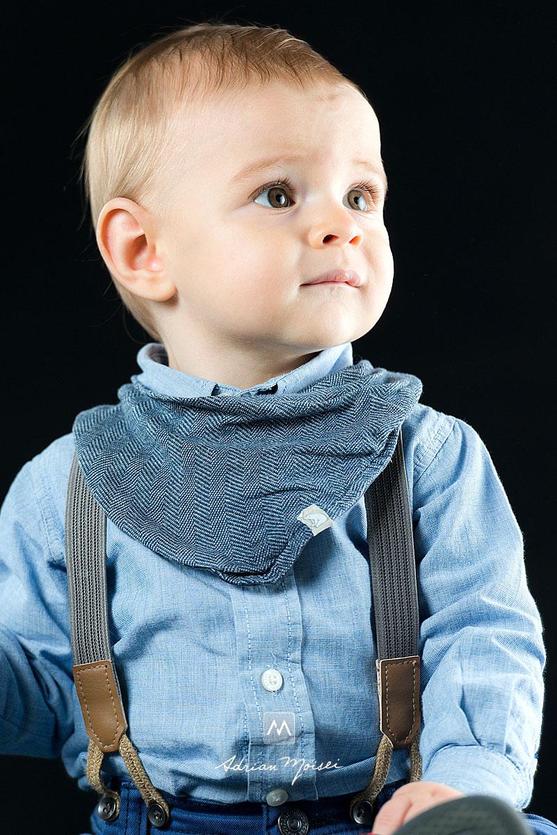 Portret de bebelus realizat in studioul fotografului iesean Adrian Moisei