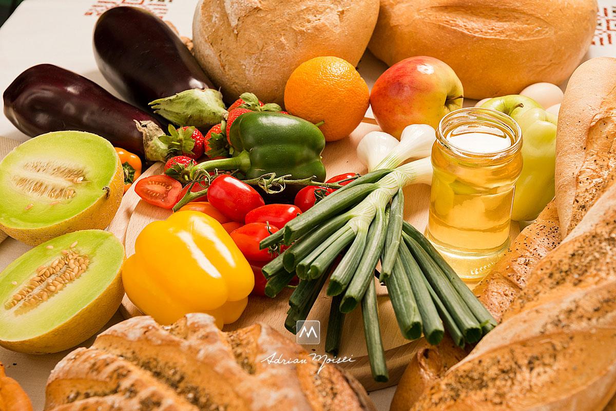 Paine, legume, vin, branza, fructe, Ceapa, vinete, ardei iute, nuci, pahare, miere, ardei gras, mustar, mere, pepene, fotograf iasi.