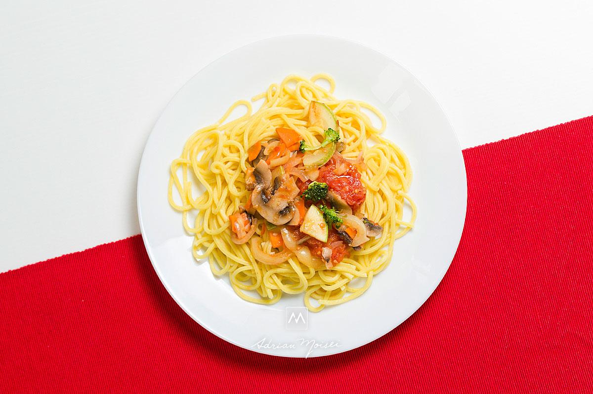 Fotografie cu o farfruie plina cu pastele Pasta Food, fotograf de produs Iasi