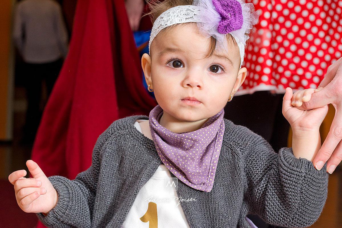 Fetita de 1 an la taierea motului, fotograf de familie Iași