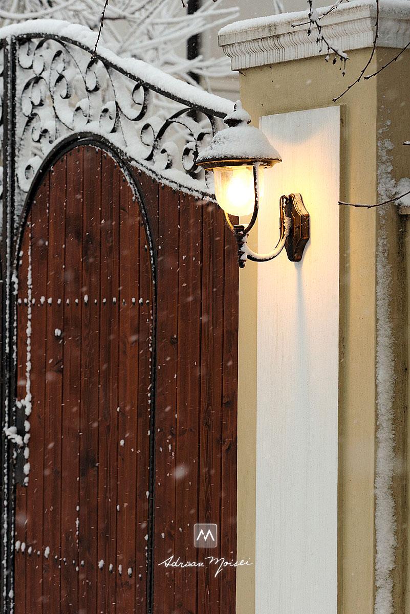Poarta cu felinare in Iasi, Romania