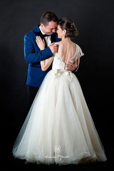 Miri îndragostiți la studio, fotografie de nuntă Iași