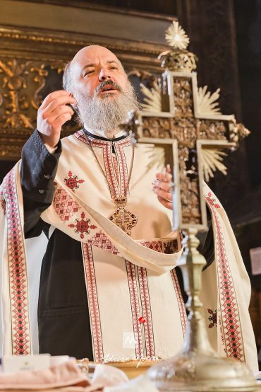 Fotograf botez Iași la biserica Nașterea Maicii Domnului
