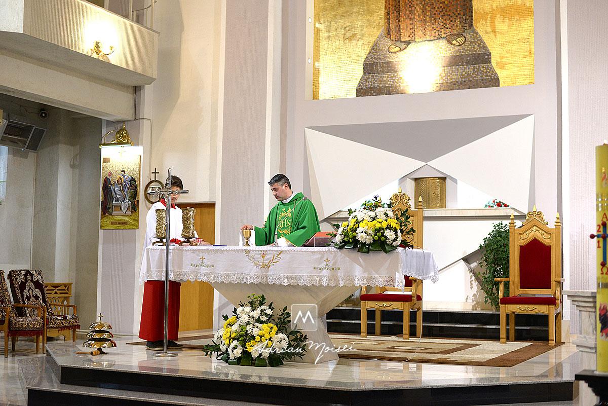 Fotografie de botez Iași la Catedrala Catolică