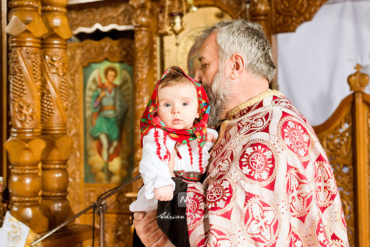 Crestinare la biserica Sf. Parascheva Iasi