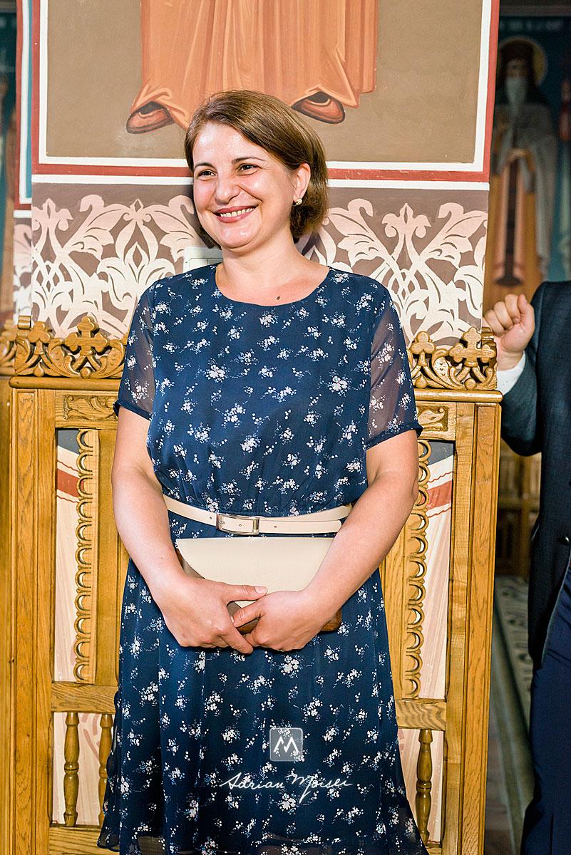 Fotografie de botez în Iași, realizată de Adrian Moisei la biserica Biserica Sfinții Apostoli Petru și Pavel, fotograf botez Iași