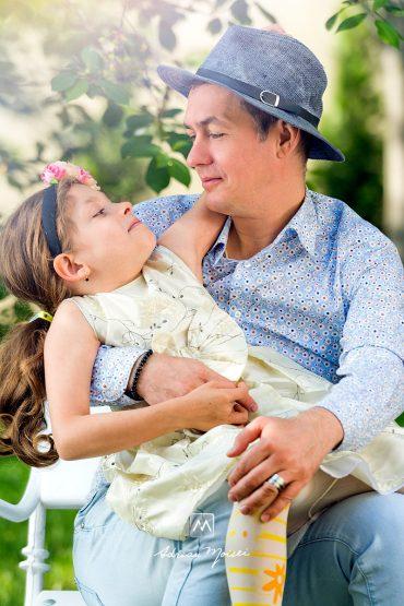 Fotografie de familie în Iași + Dragostea este mereu în aer