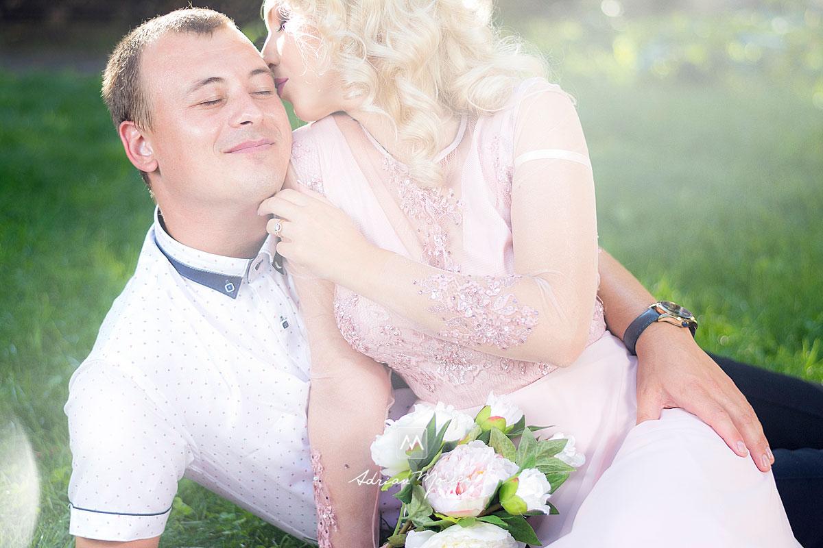 Fotografie Save The Date, pentru a-i anunța pe invitați despre data la care are loc  nunta / evenimentul, dar și pentru clipe de neuitat alături de un fotograf profesionist, care știe să vă pună într-o lumină unică, de Adrian Moisei, fotograf nuntă Iași