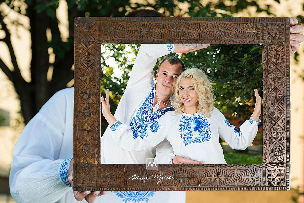Fotografie Save The Date, pentru a-i anunța pe invitați despre data la care are loc  nunta / evenimentul, dar și pentru clipe de neuitat alături de un fotograf profesionist, care știe să vă pună într-o lumină unică, fotograf nuntă Iași