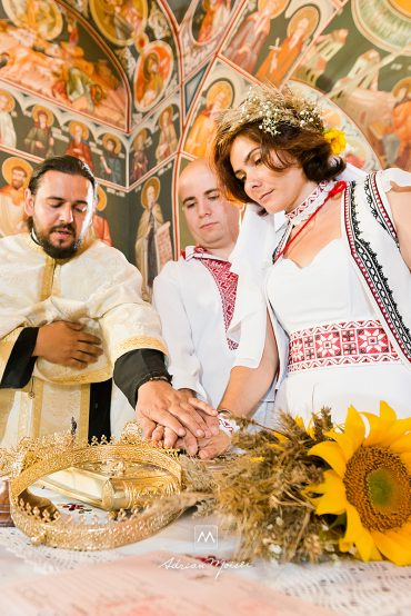 Claudia & Cătălin, Hai la hora din Moldova!