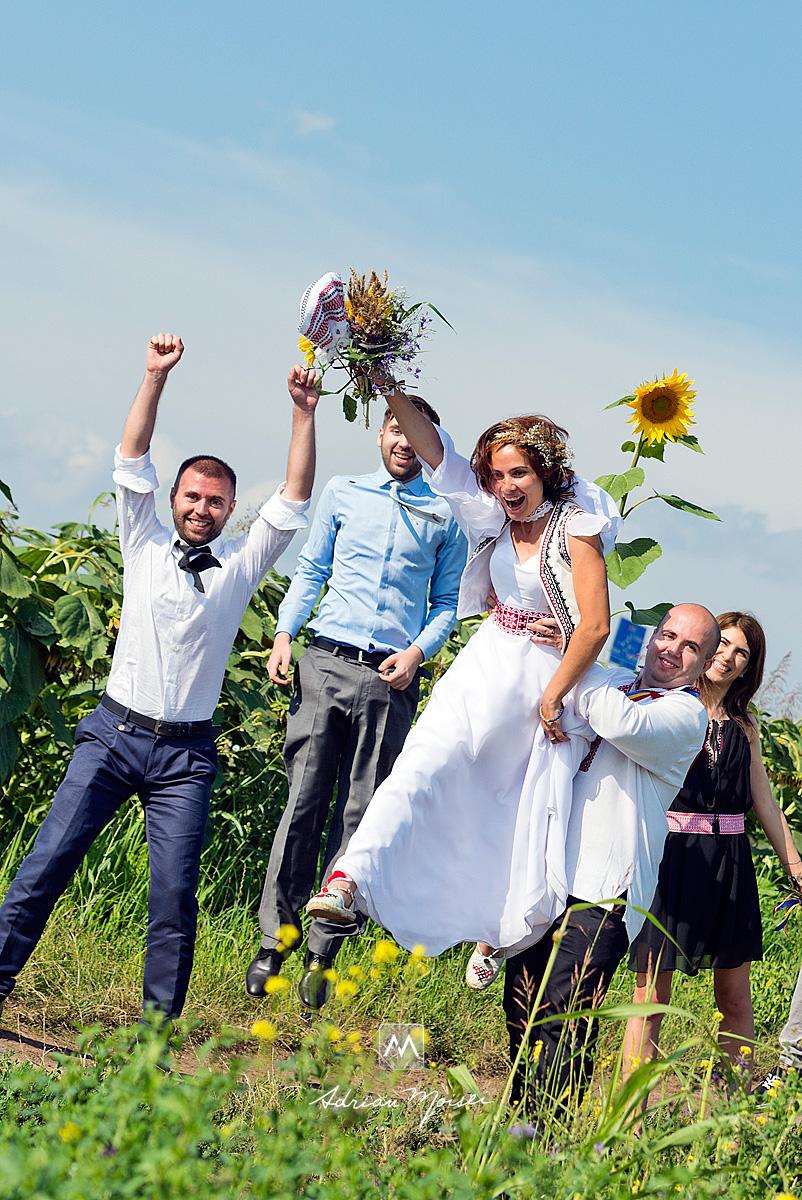 Fotografie de nuntă în Iași la biserica Sf. Voievozi Roșca din Tătărași, artist fotograf