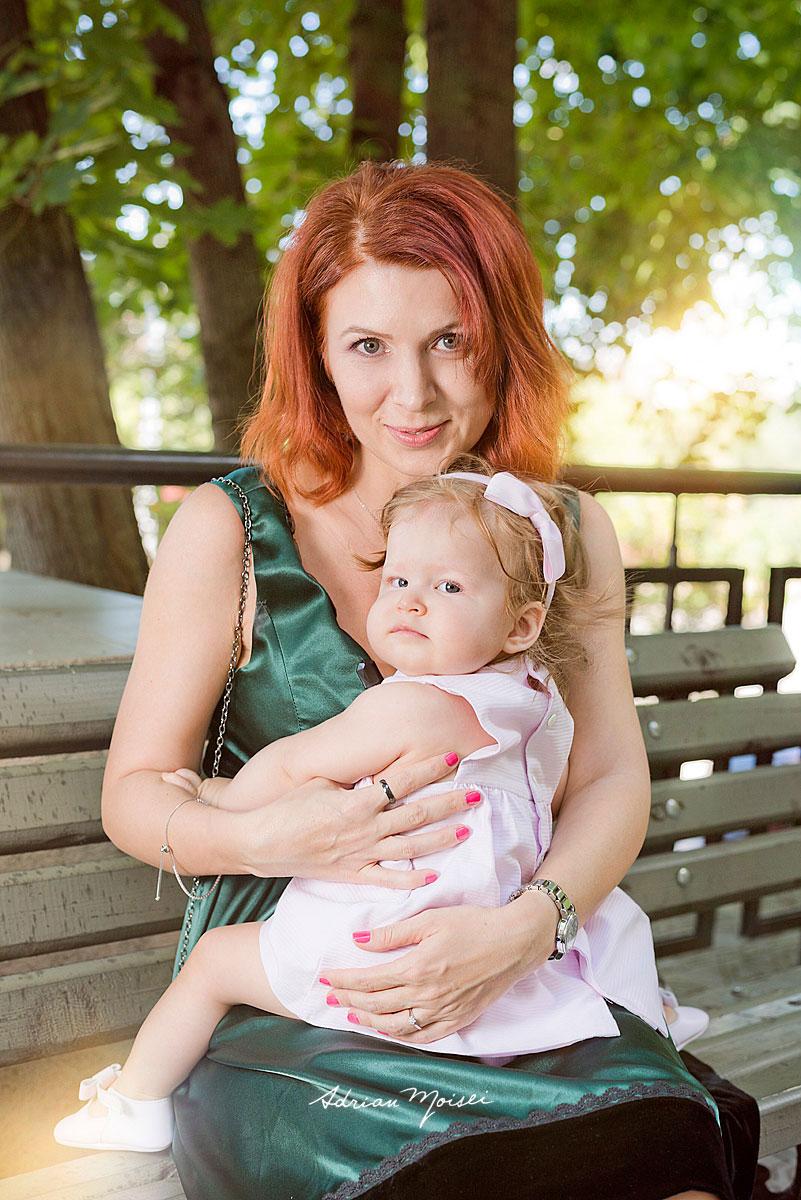 Fotografie de botez a unui bebeluș adorabil, Adrian Moisei, fotograf botez, bebeluși copii și familie, fotograf botez Iași
