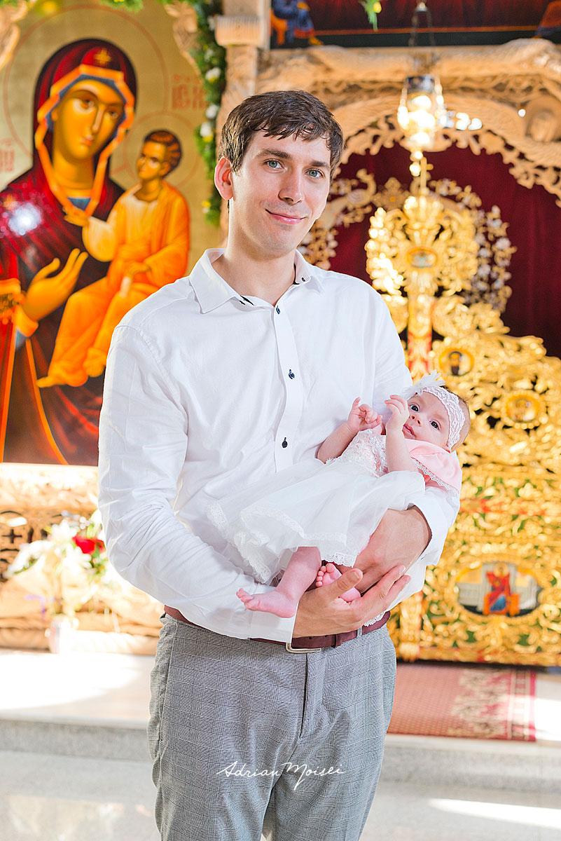 Fotografie de botez realizată de fotograful ieșean Adrian Moisei, fotograf botez Iași