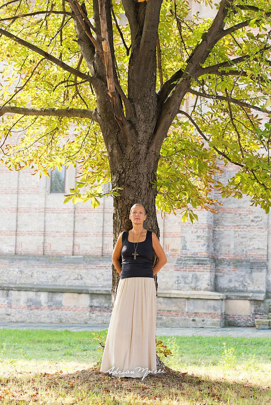 Fotografie de portret de Adrian Moisei, la mănăstirea Galata, fotografie în natură
