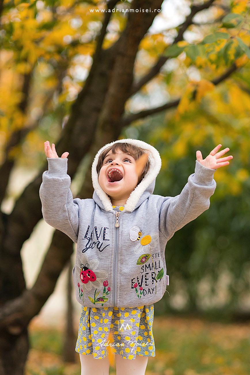 La gradina fotografului ieșean Adrian Moisei într-o zi frumoasa de toamna, fotograf de familie Iași