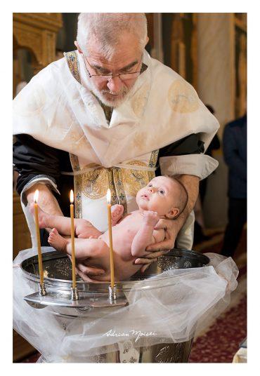 Fotograf botez Iași – Un botez plin de caldură, dragoste și emoție