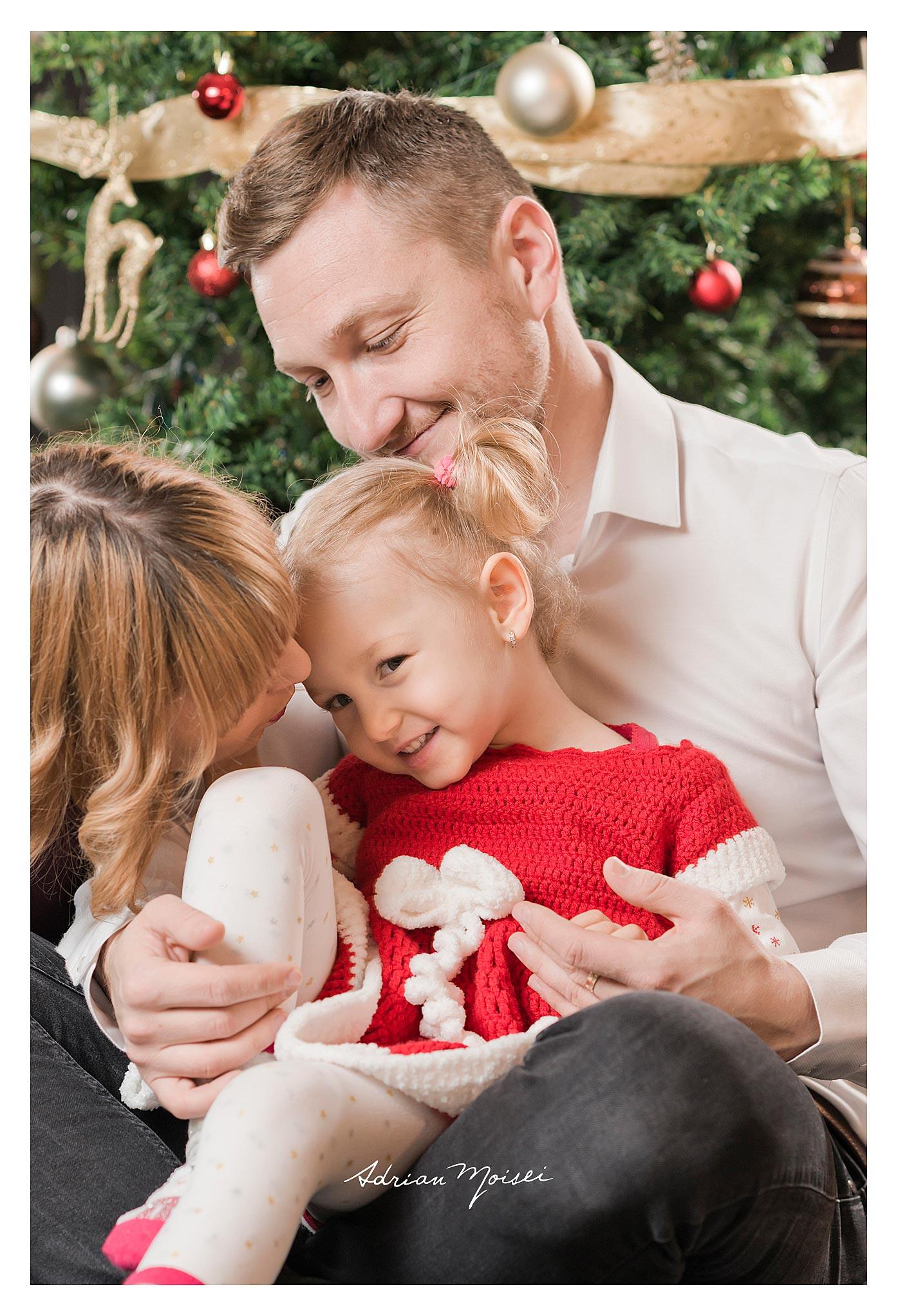 Crăciunul este momentul culminant al bucuriilor și amintirilor copilăriei, fotograf profesionist copii, Adrian Moisei.