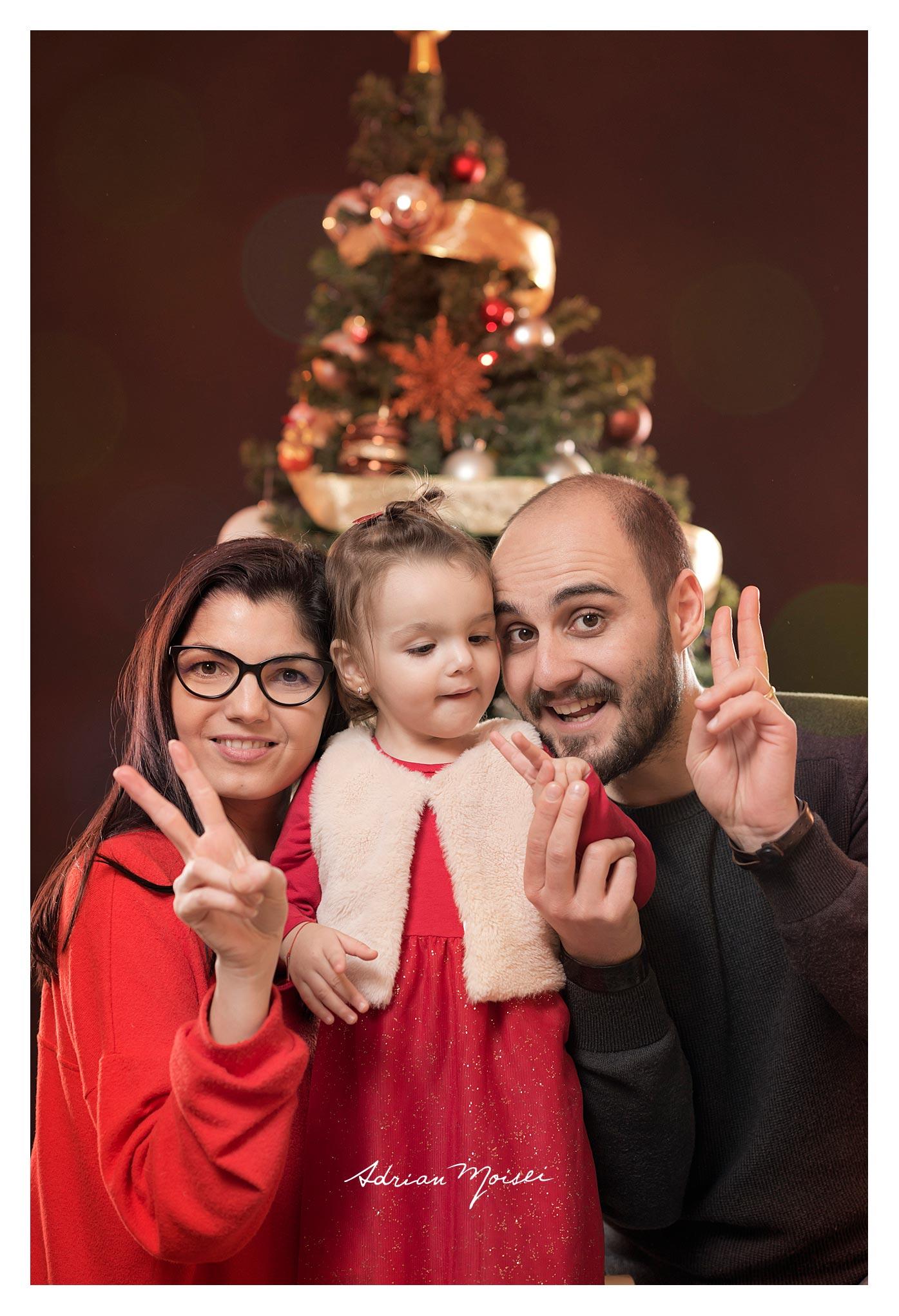 La doi ani, de Crăciun, fotografie de familie, Adrian Moisei.