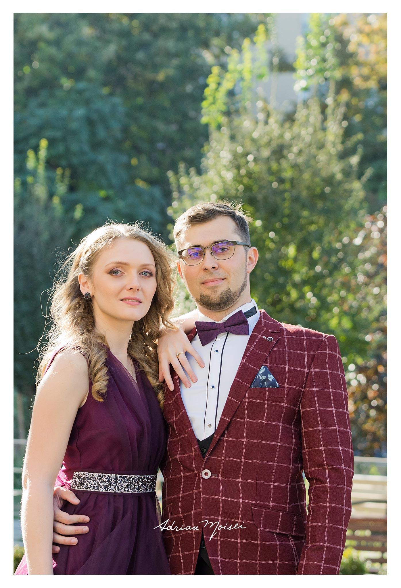 Fotograf de cununie civilă Iași într-o zi caldă de toamnă realizată de fotograf nuntă Iași Adrian Moisei