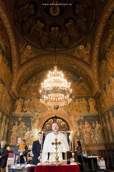 Fotograf botez în Iași – Un botez călduros într-o zi de iarnă, la Iași, biserica Sfântul Nicolae Domnesc