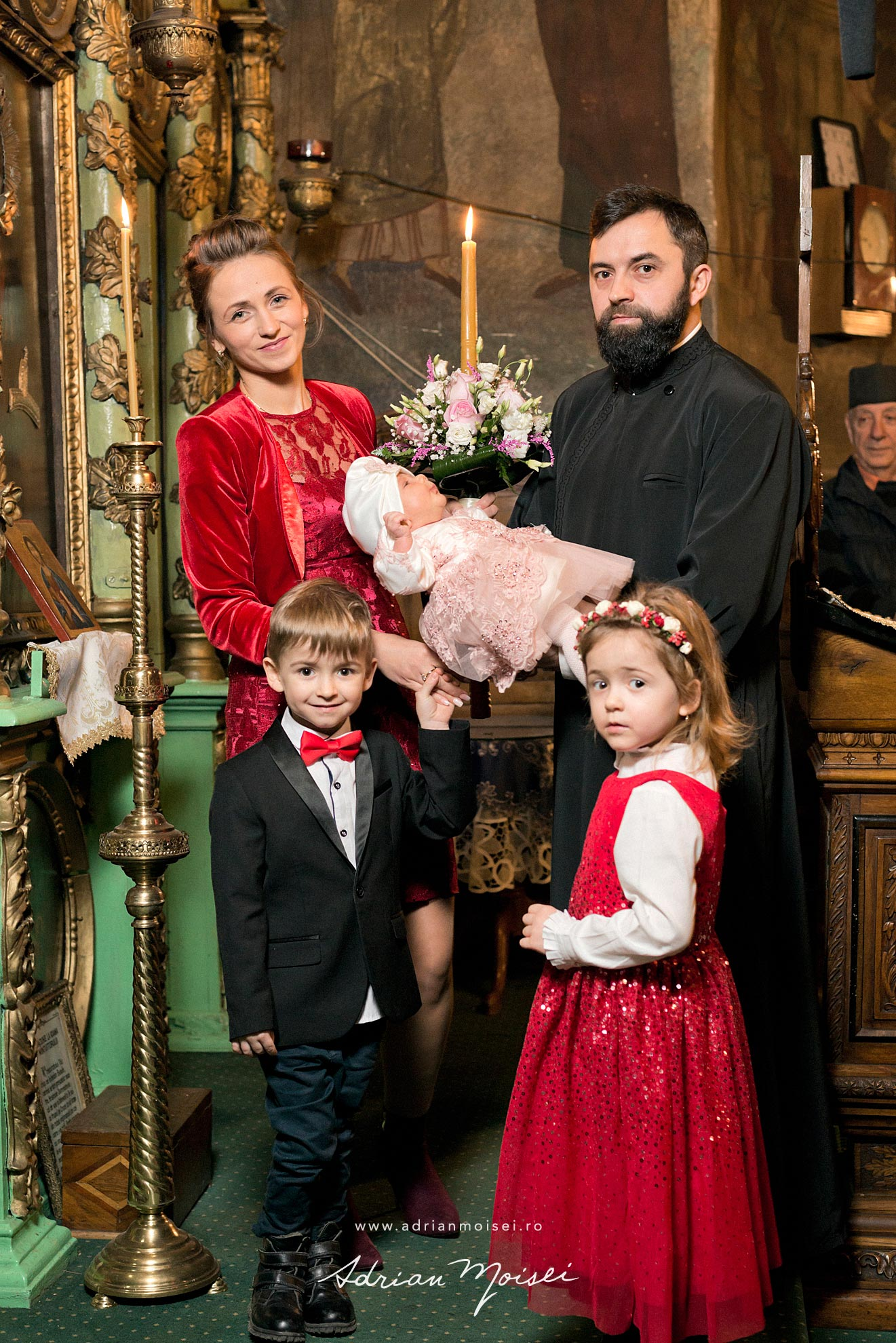 Botez in culorile fericirii, in Iași la biserica Sfântul Ioan Zlataust, fotograf de botez Iasi, Adrian Moisei, fotografie de familie