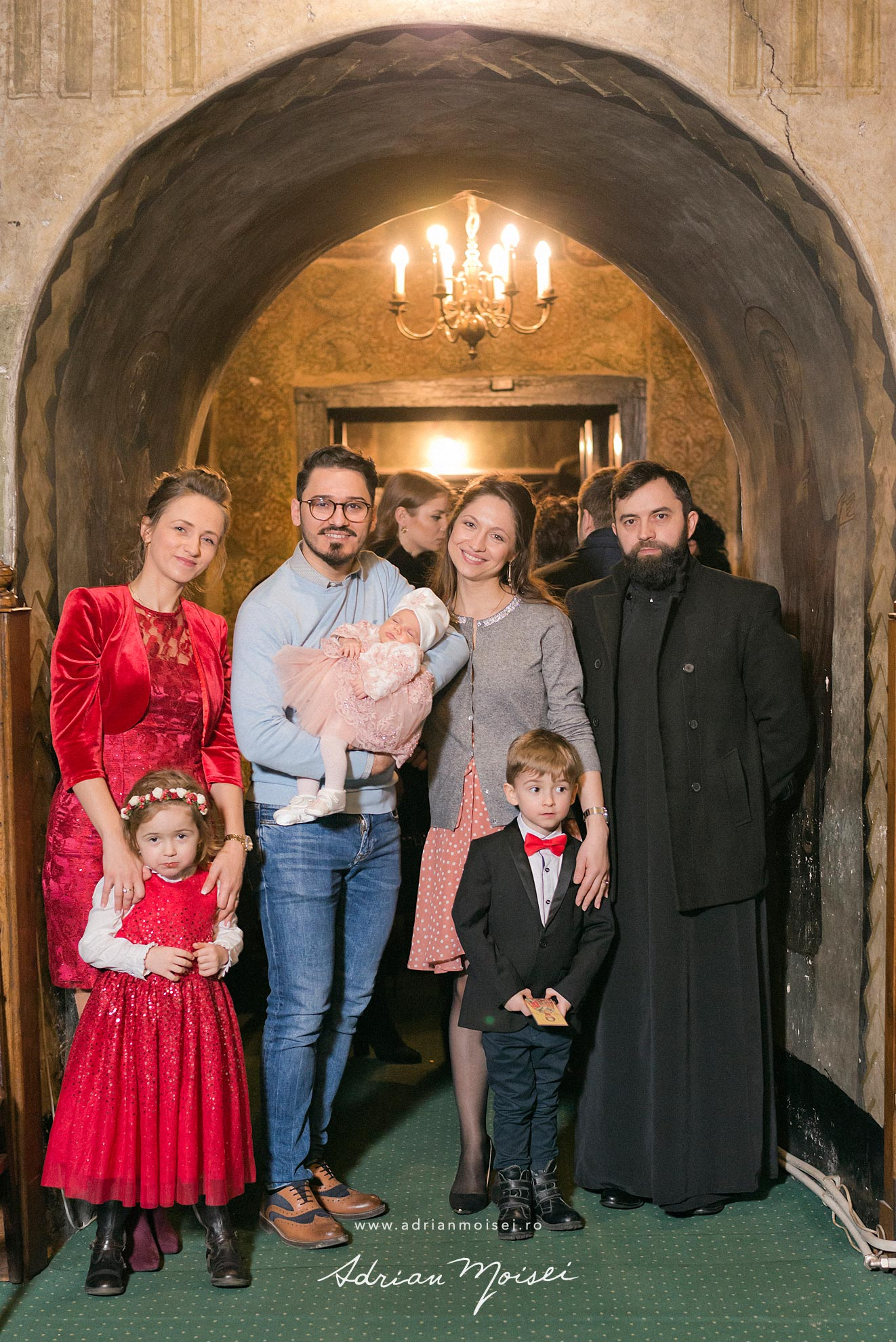 Botez in culorile fericirii, fotograf de botez Iasi, Adrian Moisei, fotografie de familie