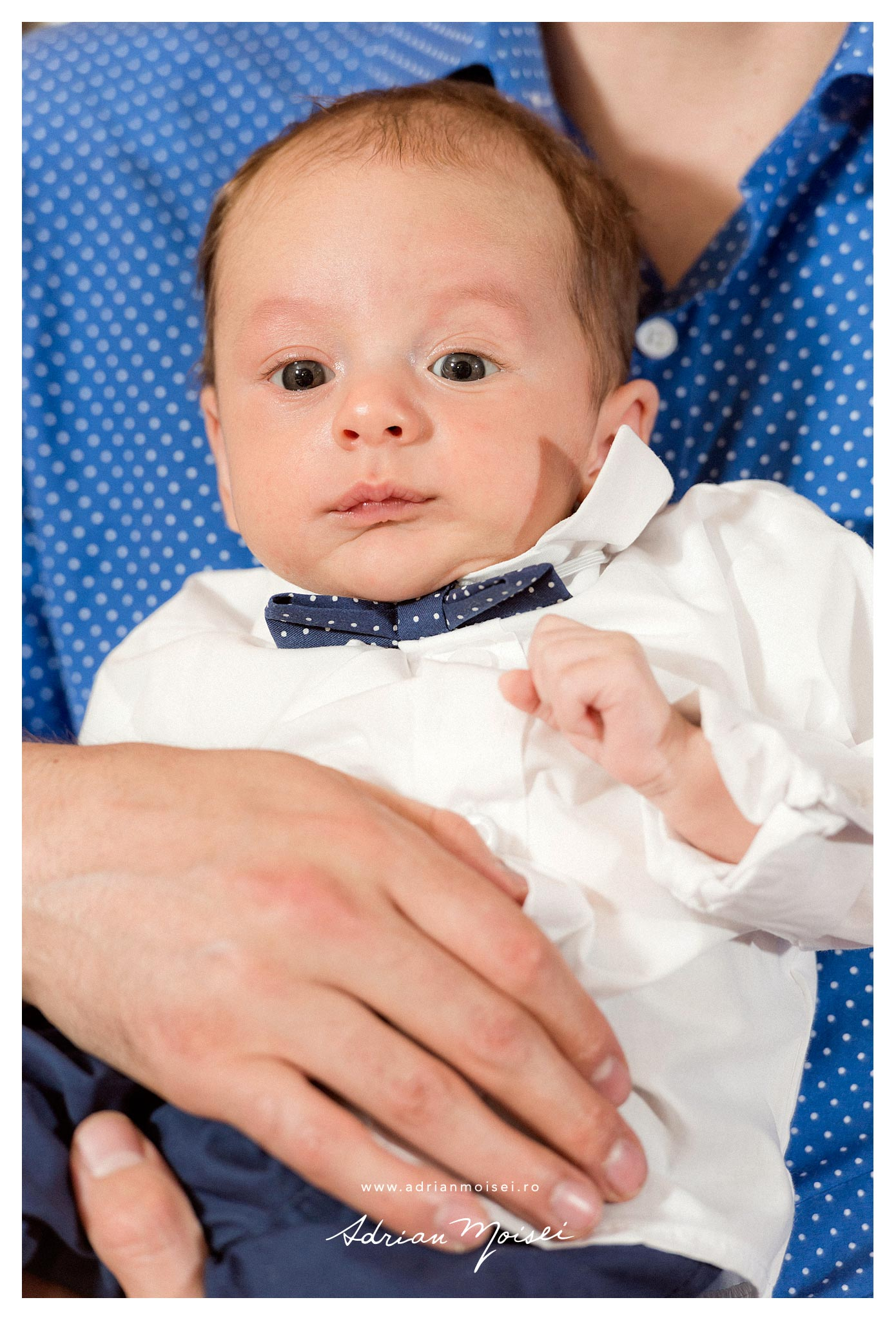 Fotografie bebelus, dupa botez, la cumatrie, Restaurant Moara de Foc, fotograf Adrian Moisei