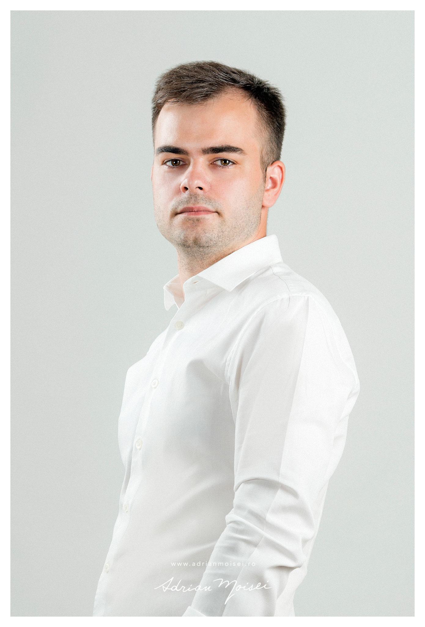 Fotografie headshots & portraits in Iasi, studio foto Adrian Moisei