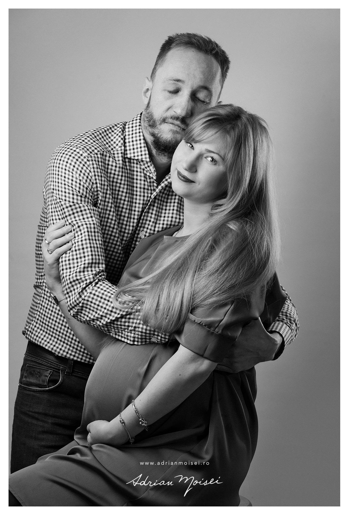 Fotograf maternitate Iasi de Craciun brad semineu Adrian Moisei