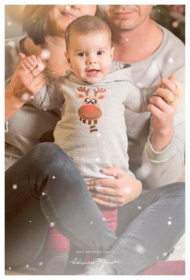 Ședință foto la primul Crăciun alături de părinți minunați.