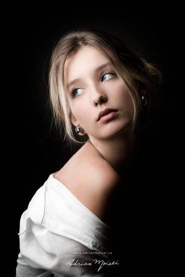 Fotograf portret Iasi – Diana – Feminine Expression of Light