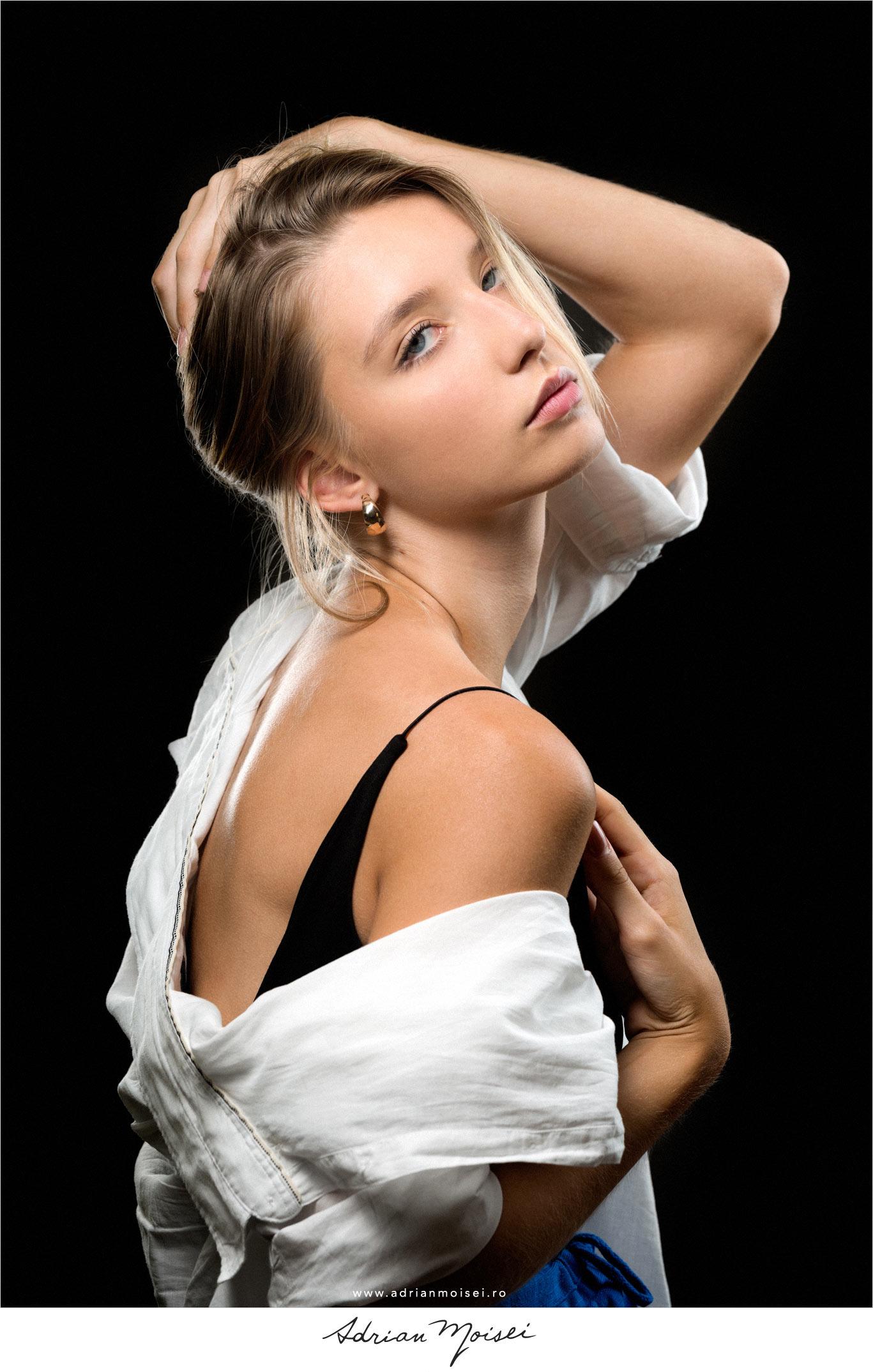 Fotograf fashion Iasi - fashion photographer bucuresti catwalk best models modelis agentie de fotomodele by Adrian -Moisei aka Nicholas Wave - Concept magazin online - studio - filmmaker - limited edition print - fine art - exhibition