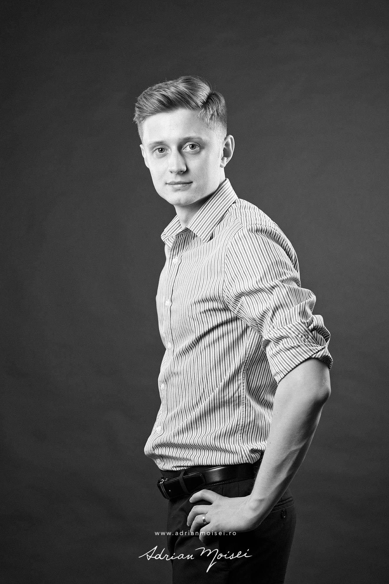 Corporate headshots Iasi studio foto Adrian Moisei