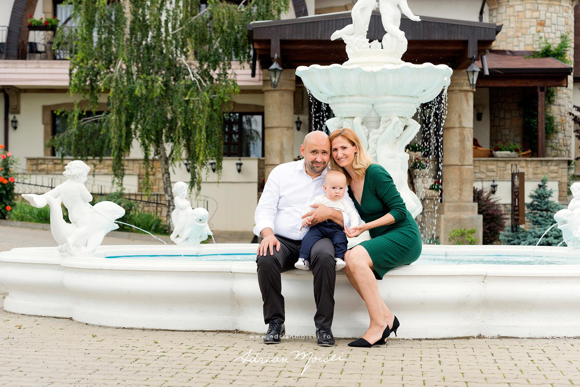 Fotograf botez Iasi la biserica Toma - fotografie de familie - fotograf profesionist Adrian Moisei