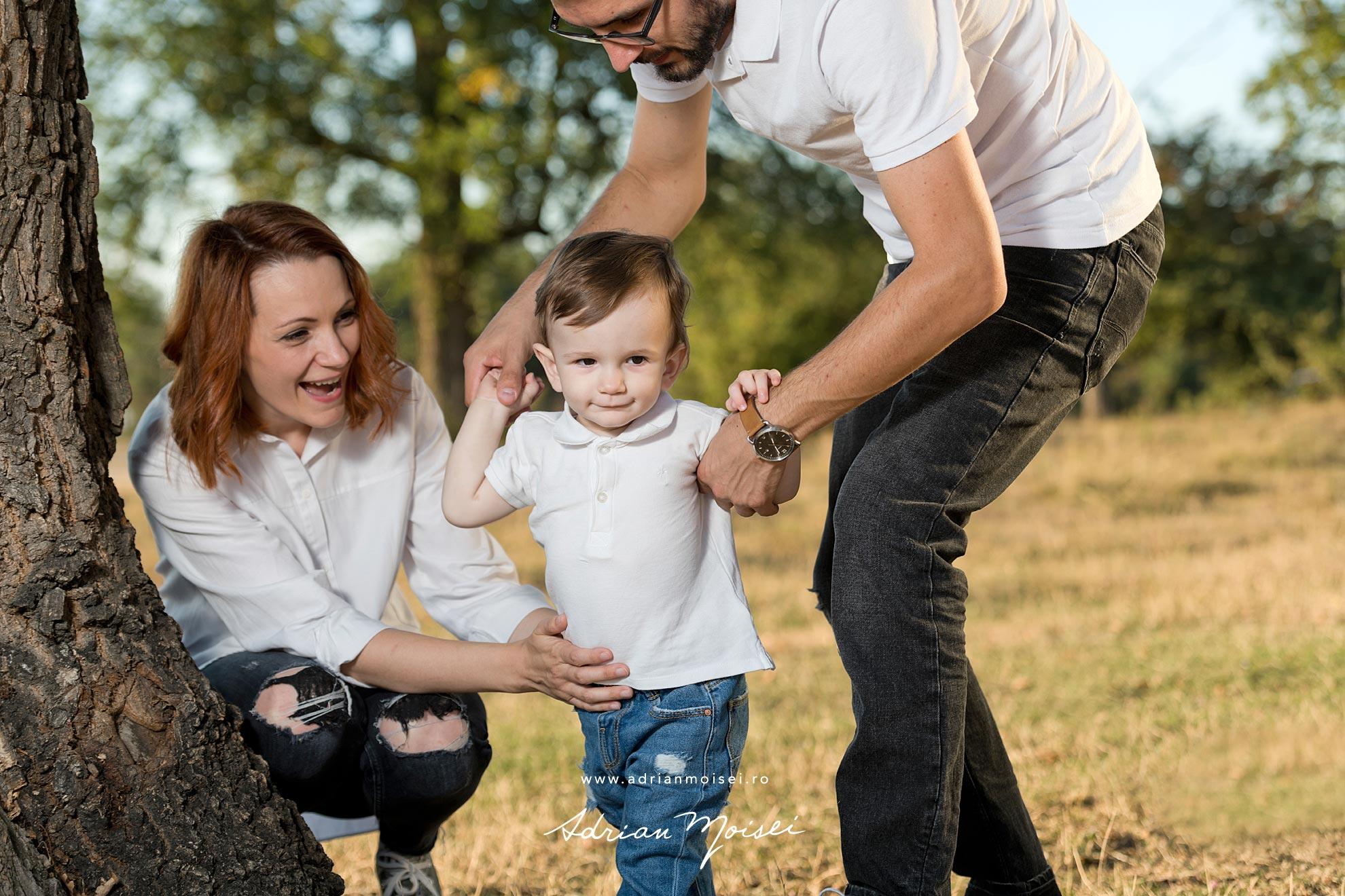 Pastrati in cele mai frumoase fotografii amintirile familiei cu o sesiune foto realizata de Adrian Moisei.