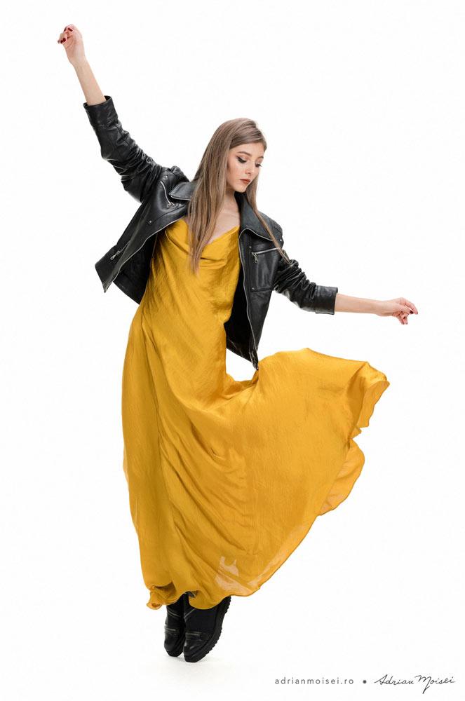 Fotograf haine Iasi fotograf studio pentru Agness by MarySten - Studio foto-video fashion Iasi