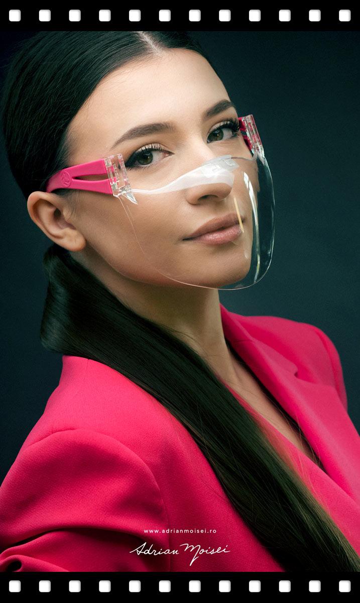 Allegra mask med masca transparenta de protectie foto video produs Iasi filmmaker Iasi studio reclama Adrian Moisei