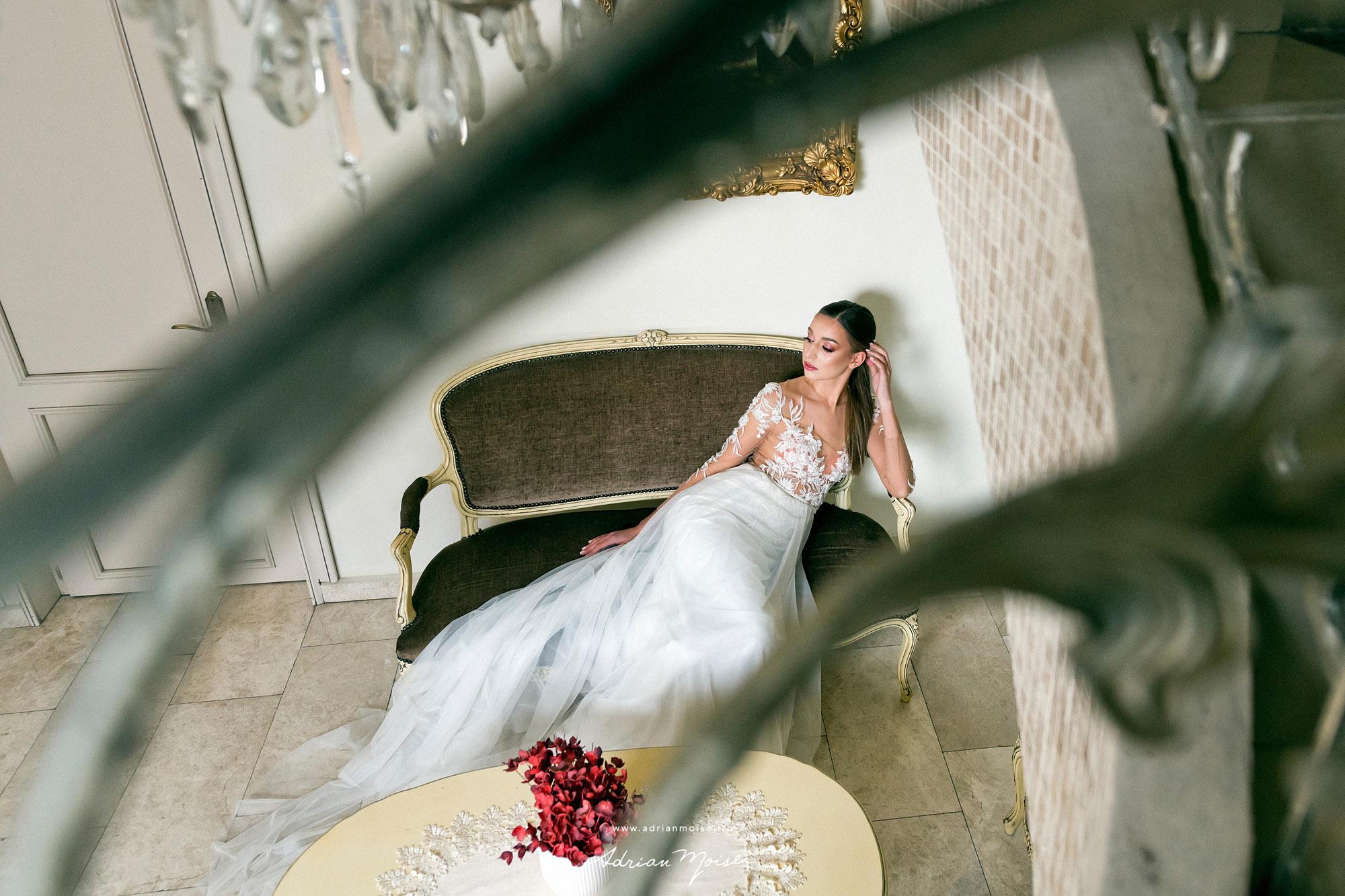 Fotograf produs Iasi. Fotograf nunta Ias. Marysten casa de moda - rochii de mireasa. Sedinta foto la studio foto video Adrian Moisei 2021 - 2022 colectia Luxury