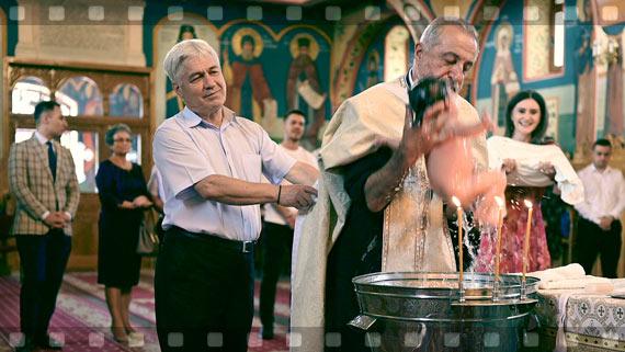 Fotografierea si filmarea clipelor memorabile de la botezul Elizei