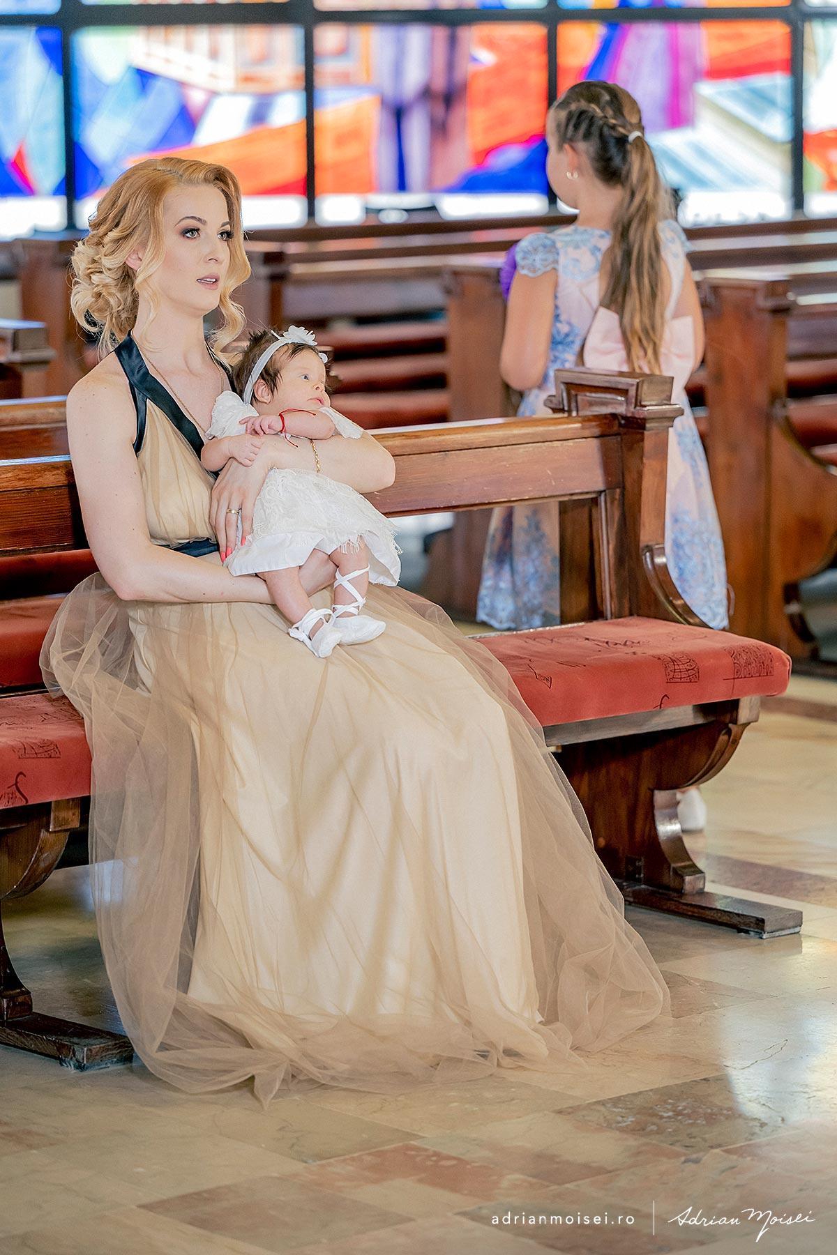 Fotograf de botez in Iasi, studio foto-video Iasi, Adrian Moisei