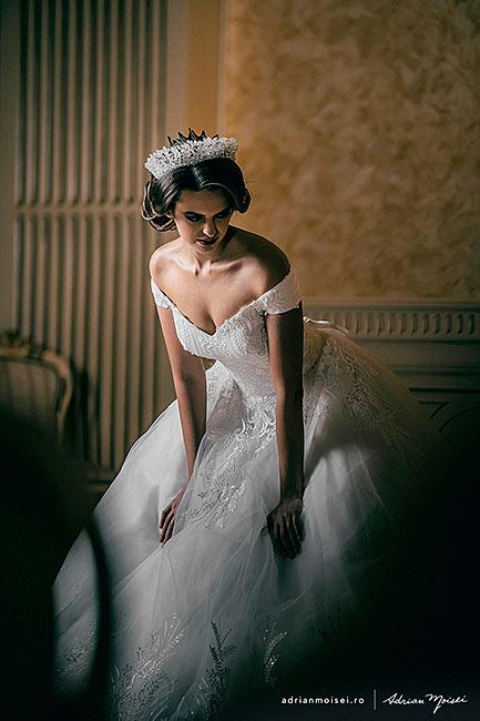 Fotograf nunta Iasi. Make-up, Hair, Dress, Locatie